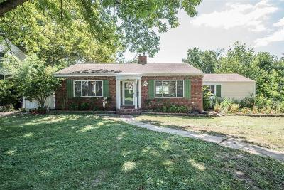 St Louis County Single Family Home For Sale: 902 Briarton Drive