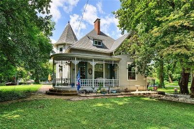 O'Fallon Single Family Home For Sale: 217 North Oak Street