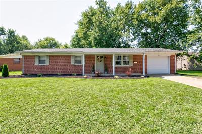 Belleville Single Family Home For Sale: 213 Sheffield Drive