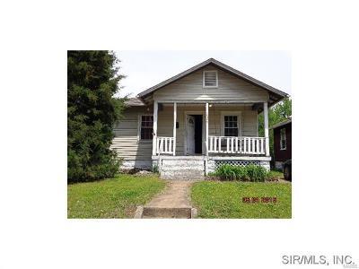 Granite City Single Family Home For Sale: 2323 Hodges Avenue