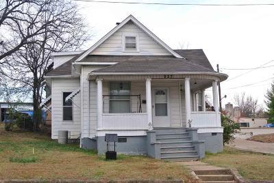 Single Family Home For Sale: 937 Vine