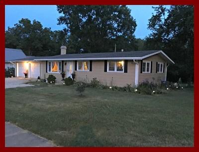 La Plata Single Family Home For Sale: 418 W Clark Street