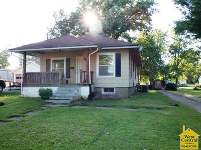Appleton City Single Family Home For Sale: 717 N Poplar St.