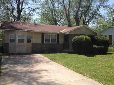 Smithton Single Family Home Sale Pending/Backups: 109 E Clay