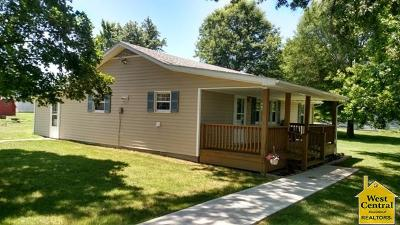 Appleton City Single Family Home For Sale: 506 E Burbank St.