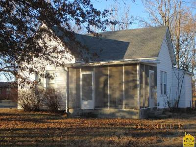 Single Family Home Sold: 730 W Allison