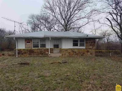 Single Family Home Sold: 195 S Highway 7