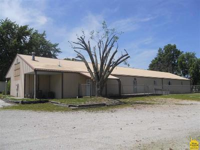 Clinton Commercial For Sale: 905 Price Lane