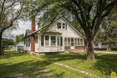 Lincoln Single Family Home Sale Pending/Backups: 407 E Main St