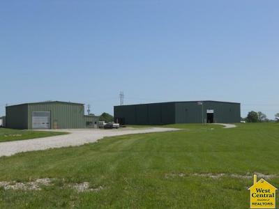 Clinton Commercial For Sale: 186 NE Hwy 52