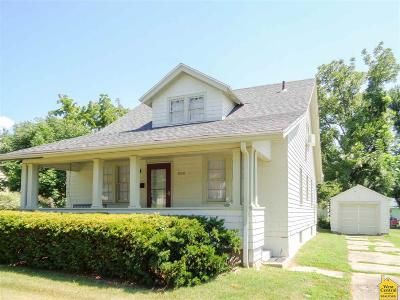 Single Family Home Sale Pending/Backups: 1818 E Broadway