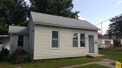 Clinton Single Family Home For Sale: 103 W Fairview
