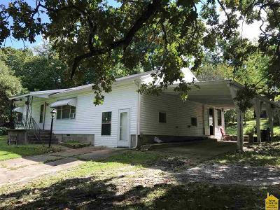 Benton County Single Family Home For Sale: 1015 Illinois St.