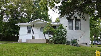 Clinton Single Family Home For Sale: 626 W Allen