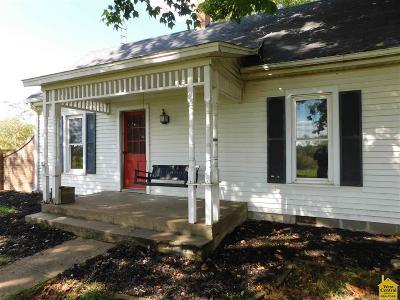 Calhoun Single Family Home For Sale: 579 NE 400 Rd.