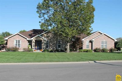 Sedalia Single Family Home For Sale: 2210 W Country Club Dr