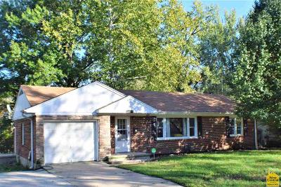 Johnson County Single Family Home For Sale: 604 Westside Dr