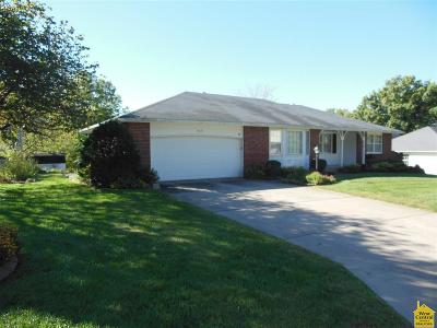 Single Family Home For Sale: 902 Monrovia Dr