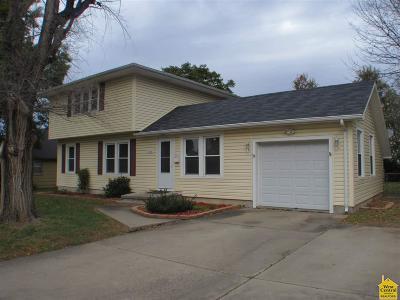 Sedalia Single Family Home For Sale: 2428 W 1st St
