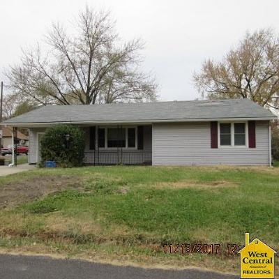 Pettis County Single Family Home For Sale: 520 W 20th