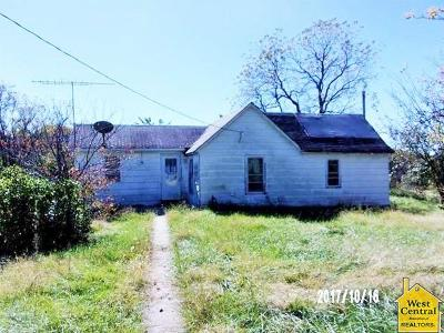Knob Noster MO Single Family Home For Sale: $29,900