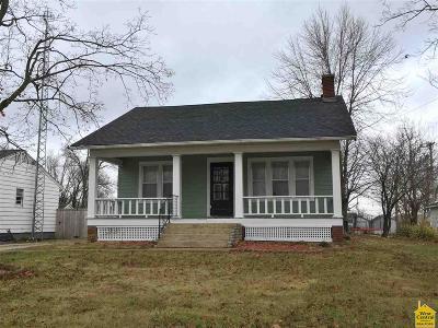 Lincoln Single Family Home Sale Pending/Backups: 413 E Main St.