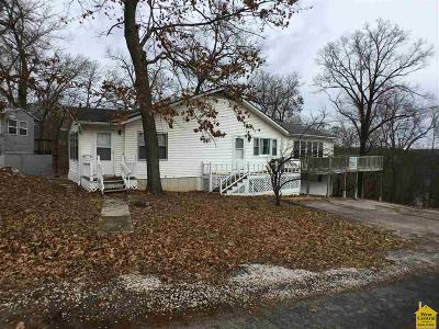 Warsaw MO Single Family Home For Sale: $85,000