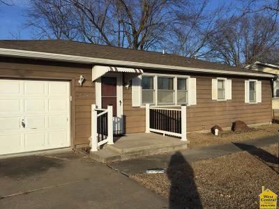 Sedalia Single Family Home For Sale: 913 E 24th