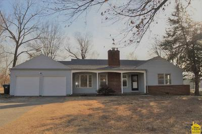 Johnson County Single Family Home For Sale: 24 SW County Bb Road