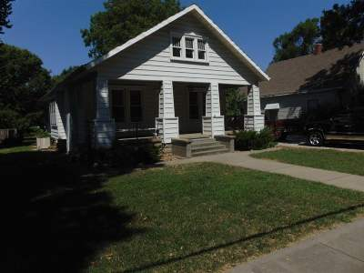 Clinton Single Family Home For Sale: 607 S 2nd
