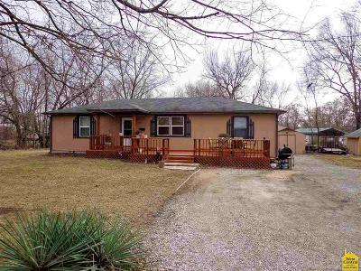 Single Family Home For Sale: 216 E Jackson
