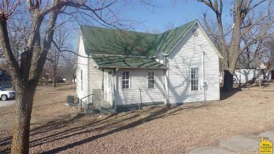 Benton County Single Family Home For Sale: 100 N Pine St