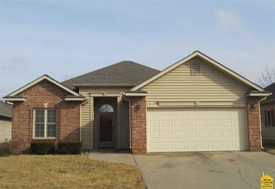 Clinton Single Family Home Sale Pending/Backups: 802 Iowa Circle