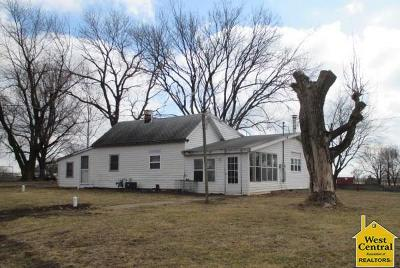 Pettis County Single Family Home For Sale: 38350 Hwy Zz