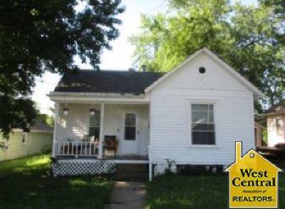 Johnson County Single Family Home For Sale: 320 Jackson