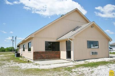 Commercial For Sale: 613 N Hwy 65