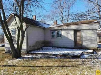 Johnson County Single Family Home For Sale: 106 W Madison