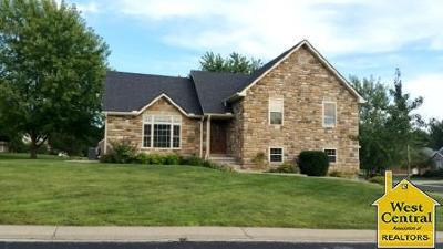 Sedalia Single Family Home For Sale: 2010 Hunters Ln