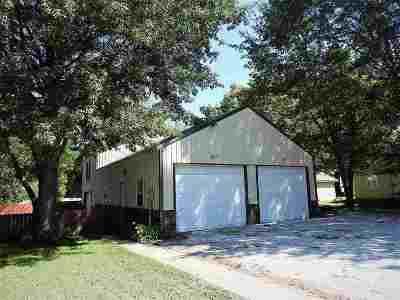 Clinton Single Family Home For Sale: 405 W Grandriver