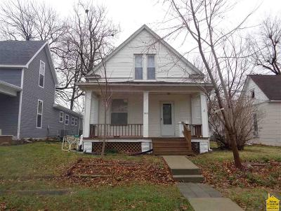 Single Family Home For Sale: 903 S Vermont Ave.