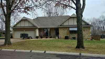 Clinton Single Family Home Sale Pending/Backups: 102 N Gail Dr