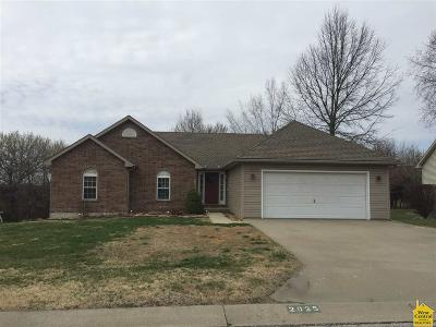 Sedalia Single Family Home For Sale: 2025 Hunter's Lane