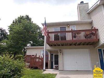 Benton County Condo/Townhouse For Sale: 22804 Lake Villa Dr