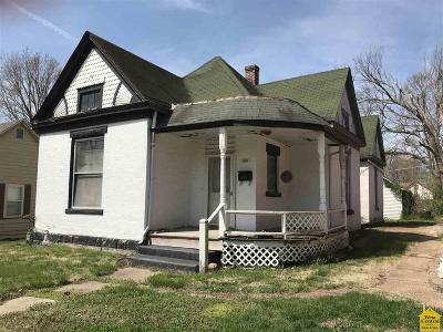 Pettis County Single Family Home For Sale: 1608 S Moniteau