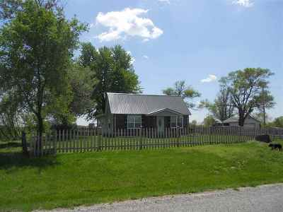Windsor Single Family Home Sale Pending/Backups: 962 NE Hwy Oo