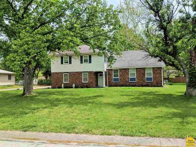 Clinton Single Family Home For Sale: 204 N Baird
