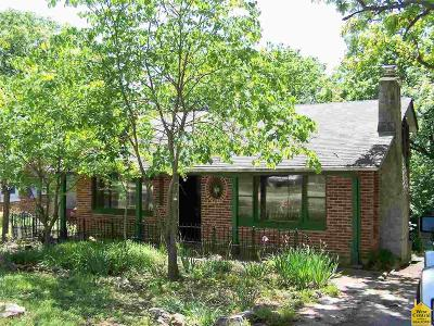 Warsaw Single Family Home For Sale: 19692 Lakeview Ave