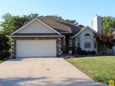Johnson County Single Family Home For Sale: 511 Westgate