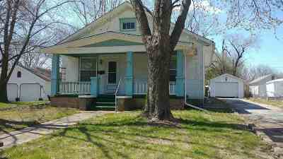 Windsor Single Family Home For Sale: 704 S Main St