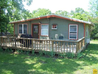 Warsaw Single Family Home For Sale: 29703 Bobcat Dr